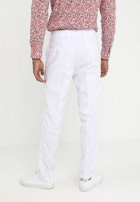 OppoSuits - WHITE KNIGHT - Oblek - white - 5