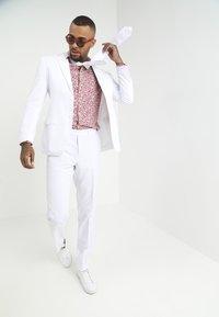 OppoSuits - WHITE KNIGHT - Oblek - white - 1