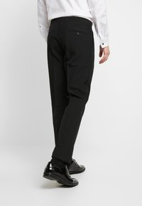 OppoSuits - PEARLY TUXEDO WITH BOW TIE - Completo - white - 5