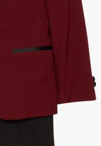 OppoSuits - HOT TUXEDO TEENS SET - Suit - burgundy - 4