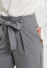 ONLY Petite - ONLNICOLE PANTS - Trousers - light grey - 4