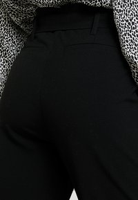 ONLY Petite - ONLNICOLE PANTS - Bukser - black - 3
