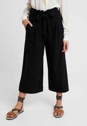 ONLGOSSIP KAROLINA PANT - Kalhoty - black