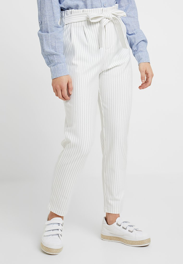ONLY Petite - ONLFLORENCE POPTRASH PIN ANKLE - Trousers - cloud dancer/black