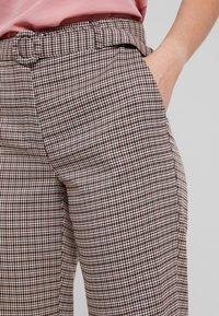 ONLY Petite - ONLISAK PANT - Kalhoty - decadent chocolate - 3
