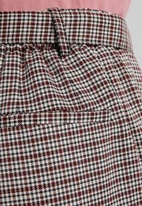 ONLY Petite - ONLISAK PANT - Kalhoty - decadent chocolate - 5