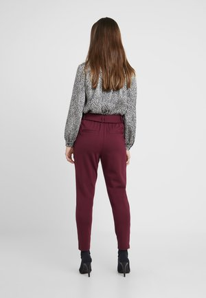 ONLPOPTRASH BELT  PANT - Pantalon classique - tawny port