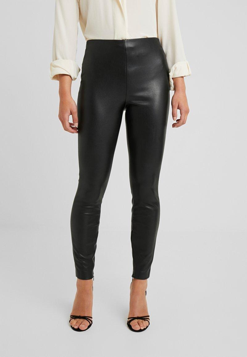ONLY Petite - ONLVIVI - Leggings - Trousers - black