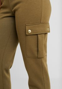 ONLY Petite - ONLESME LONG PANTS - Tracksuit bottoms - beech - 6