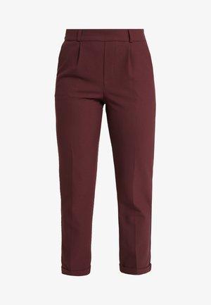 ONLFOCUS PANT - Pantalon classique - tawny port