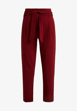 ONLCAROLINA BELT PANTS - Pantalones - merlot