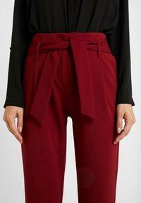 ONLY Petite - ONLCAROLINA BELT PANTS - Pantalon classique - merlot - 5