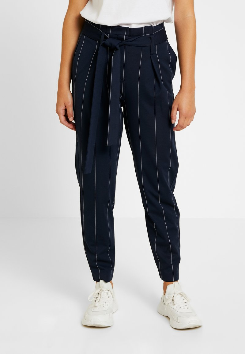 ONLY Petite - ONLNICOLE PAPERBACK ANKLE TEMPO - Trousers - night sky/cloud dancer