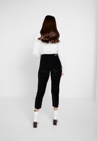 ONLY Petite - ONLEMILY GLOBAL - Trousers - black - 3
