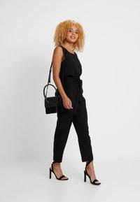 ONLY Petite - ONLALLY PANT - Pantalon classique - black - 2