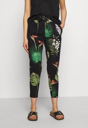 ONLPOPTRASH EASY PRINT PANT - Trousers - black/open leaf