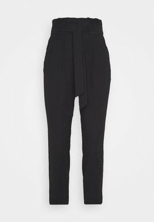 ONLSURI AINA PANTS - Pantalon classique - black