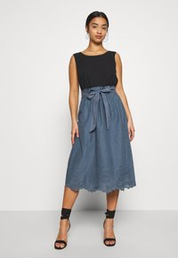 ONLY Petite - ONLSHERY LIFE MIDI EMBANG SKIRT - A-line skjørt - china blue - 1
