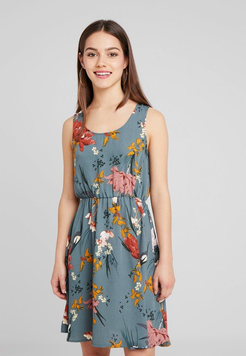 ONLY Petite - ONLELEONORA DRESS - Freizeitkleid - balsam green
