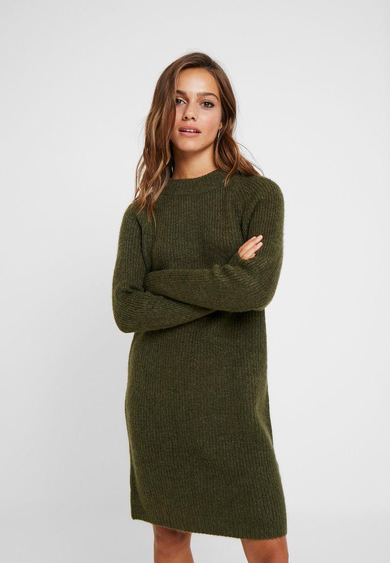 ONLY Petite - ONLJADE DRESS - Strikkjoler - khaki