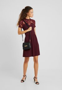 ONLY Petite - ONLMONNA MIX DRESS - Vestito estivo - port royale - 2