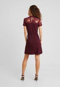 ONLY Petite - ONLMONNA MIX DRESS - Vestito estivo - port royale - 3
