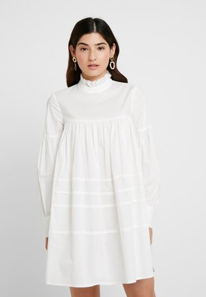 ONLMAJA HIGHNECK DRESS - Kjole - white