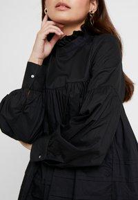 ONLY Petite - ONLMAJA HIGHNECK DRESS - Robe d'été - black - 6