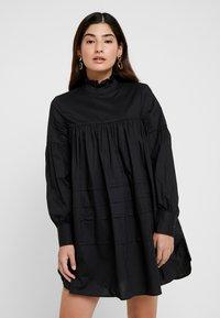 ONLY Petite - ONLMAJA HIGHNECK DRESS - Robe d'été - black - 0