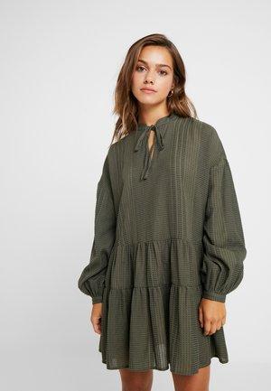 ONLNEW ATHENA DRESS - Robe d'été - kalamata/black