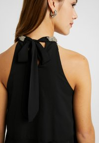 ONLY Petite - ONLGLORIA DRESS - Kjole - black - 6