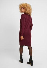 ONLY Petite - ONLFRUA DRESS - Neulemekko - burgundy - 3