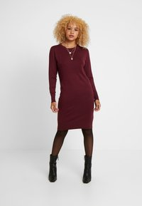 ONLY Petite - ONLFRUA DRESS - Gebreide jurk - burgundy - 0