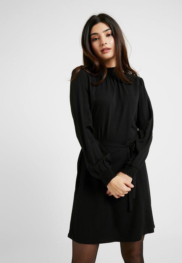 ONLFALMA SMOCK DRESS SOLID - Vestido informal - black