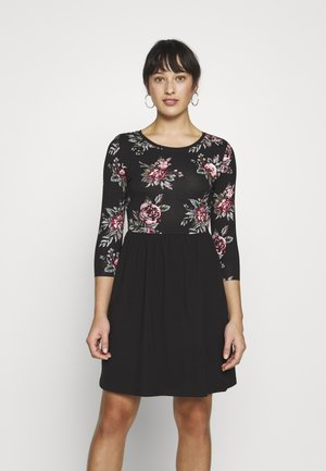 ONLAMBER AMY 3/4 DRESS PETITE - Vapaa-ajan mekko - black/rose
