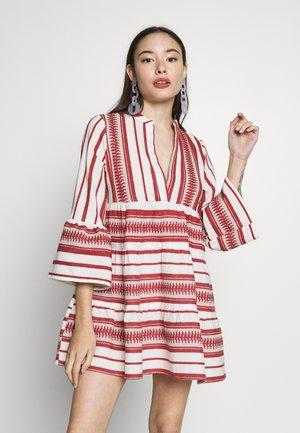 ONLSALLY ATHENA  - Robe d'été - cloud dancer/hot sauce