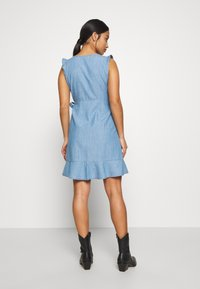 ONLY Petite - ONLELODIE LIFE DRESS - Farkkumekko - light blue denim - 2