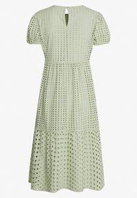 ONLY Petite - ONLSANNIE CALF DRESS PETITE - Denní šaty - desert sage - 1