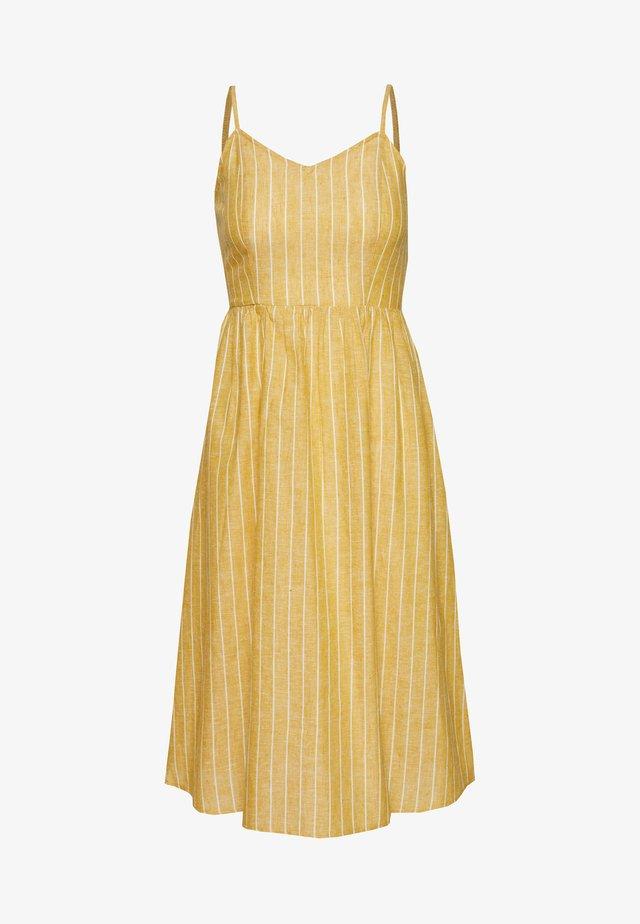 ONLVIVIAN CANYON LONG LIFE DRESS - Vestido informal - golden spice