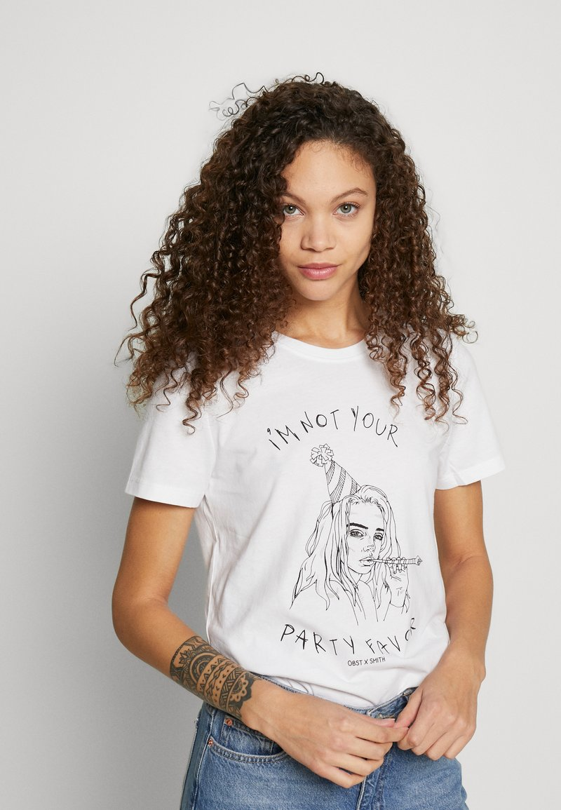 ONLY Petite - ONLBILLIE  - Camiseta estampada - bright white