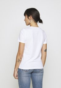 ONLY Petite - ONLPEANUT LOVE - T-Shirt print - white - 2