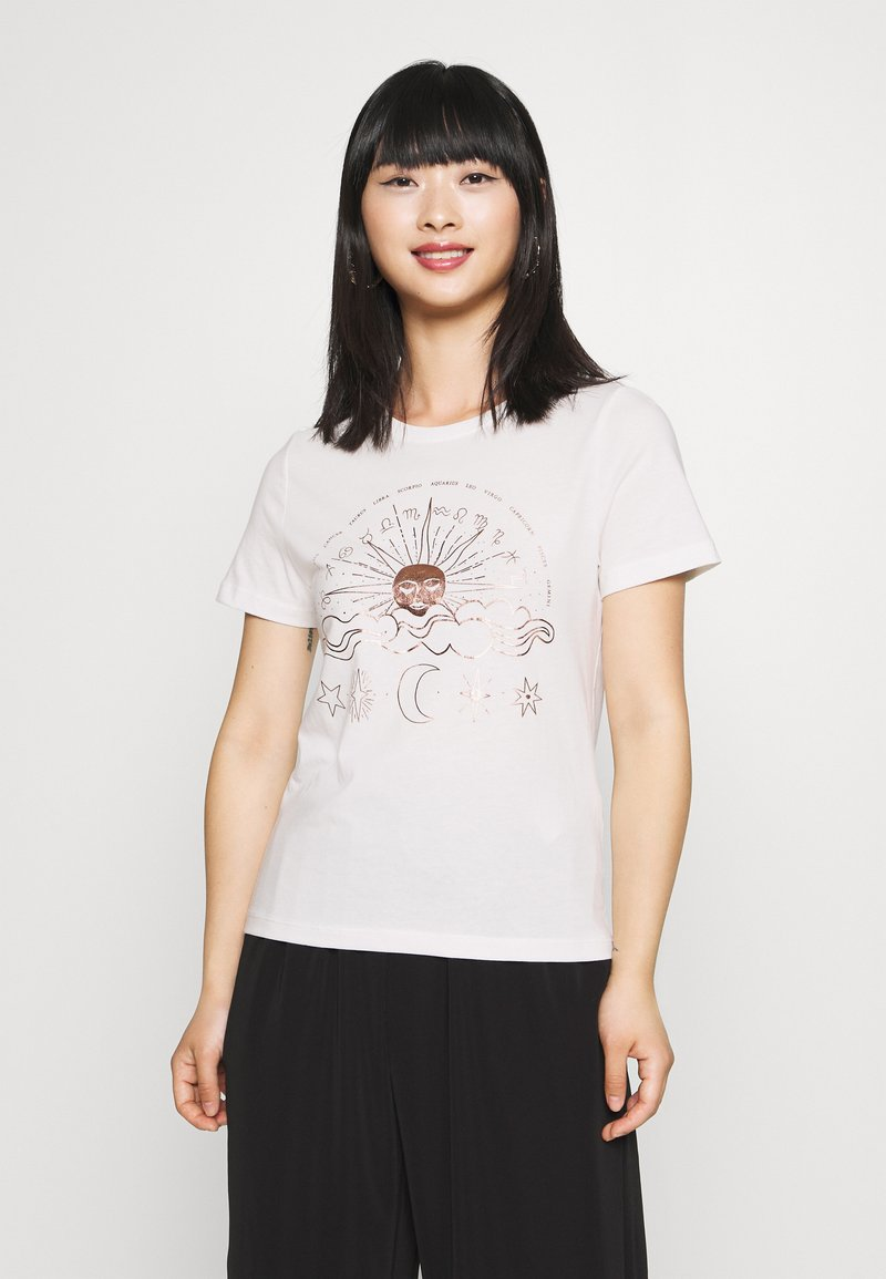 ONLY Petite - ONYRANDI LIFE - Camiseta estampada - cloud dancer
