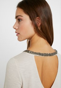 ONLY Petite - Blouse - pumice stone - 4