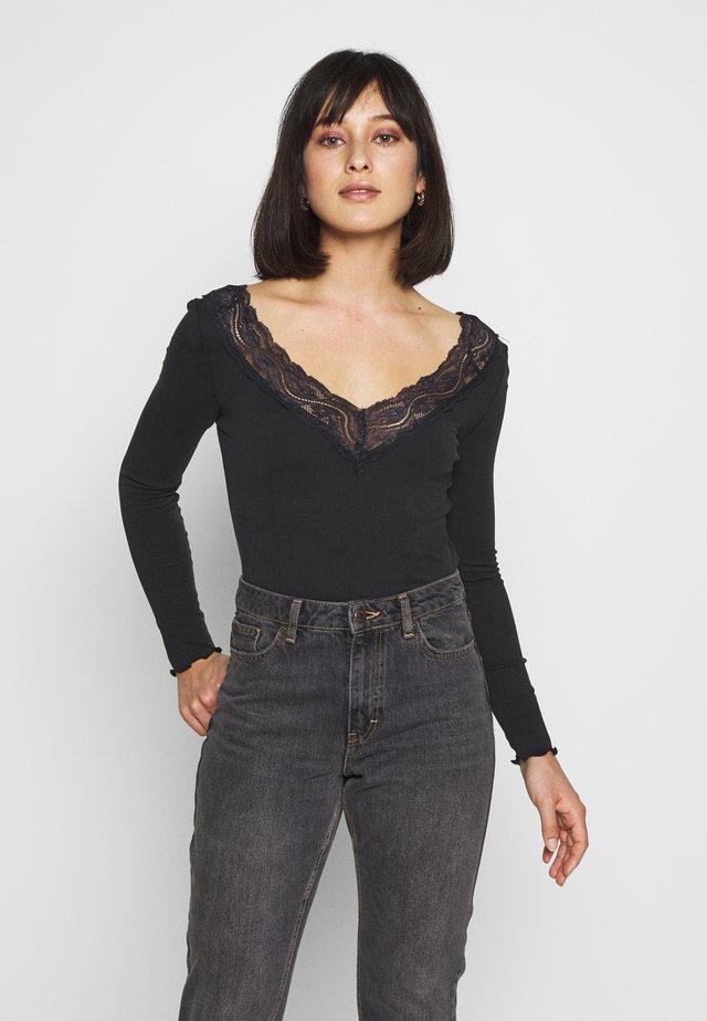 ONLLARA V NECK TOP - T-shirt à manches longues - black