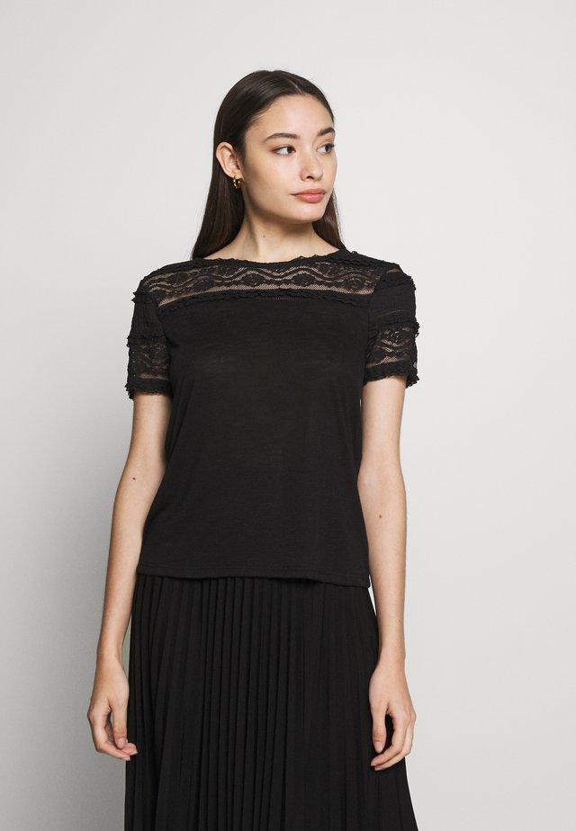ONLMARJORIE MIX  - T-shirt con stampa - black