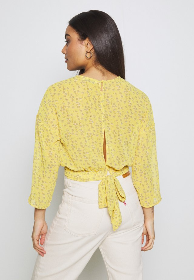 ONLSUNNY BLOUSE  - Bluser - misted yellow