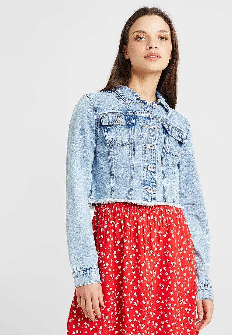 ONLY Petite - ONLFRANKY CROPPED JACKET - Denim jacket - light blue denim