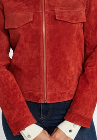 ONLY Petite - ONLLEAH SHORT JACKET - Giacca di pelle - ketchup - 5