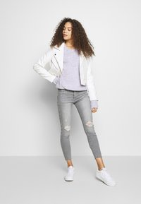 ONLY Petite - ONLENYA BIKER - Veste en similicuir - cloud dancer - 1