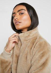 ONLY Petite - ONLAURA PETIT  - Zimní bunda - beige - 4
